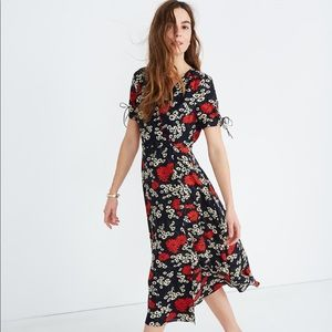 Peekaboo-Sleeve Midi Dress in Hillside Daisies